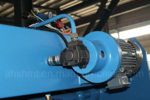 160-300 Ton CNC Sheet Metal Press Brake (WC67Y) pictures & photos