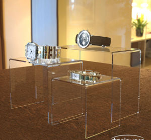"High Quality 2""3""4""Black Plexiglass Lucite Acrylic Display Risers pictures & photos"