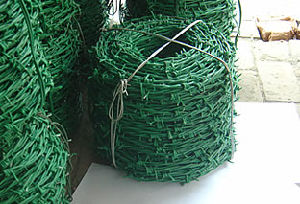 Hot Selling Barded Wire Fence S0123