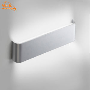 China Supplier Warm Light 12W SMD LED Wall Light Indoor pictures & photos