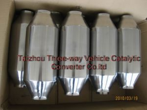 Auto Universal Catalytic Converter with Ceramic Substrate with Mirror Polished pictures & photos