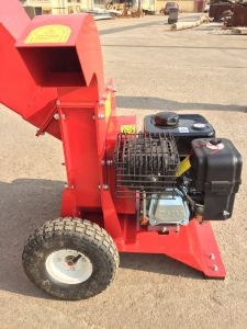 Hot Sale 2017 New Design Small Wood Chipper Shredder for Garden Care pictures & photos