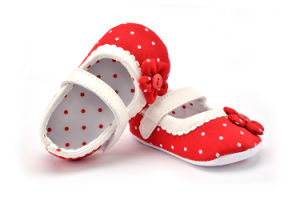 Wholesale Flower Design Single Laces Shoes Soft Soles Indoor Toddler Baby Shoes pictures & photos