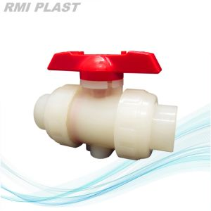 PVC Ball Valve/Plastic Valve/Plastic Ball Valve pictures & photos