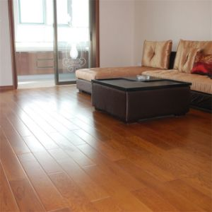 8.3mm Cherry V-Groove HDF Laminate Flooring pictures & photos