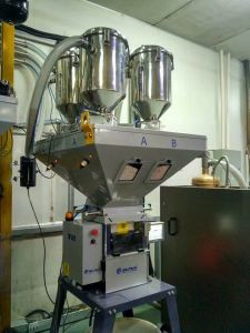 Wbb Gravimetric Batch Blender Machine for Parts Injection Machine pictures & photos
