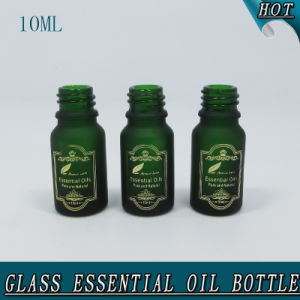 10ml Dark Green Hot Stamping Frosted Glass Bottle for Essential Oil pictures & photos