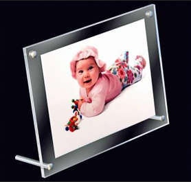 Customize Wholesale New Clear Magnet 4X6 Acrylic Picture Clear Frame pictures & photos