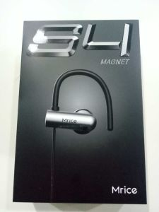 Mrice S4 Magnet Tooling Capsule Hook Bluetooth Earphone pictures & photos