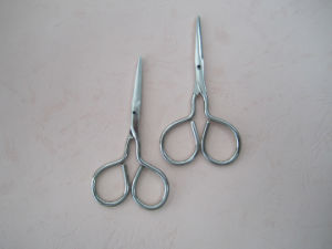 Stainless Steel Bandage Scissors for First Aid Use pictures & photos