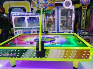 2016 New Type 4 Players Air Hockey Table with Strong Wind Motor Hot Playground Equipment (MT-2085) pictures & photos