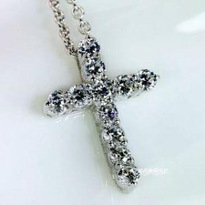 Fashion Cross Shape Shinning Diamond Jewelry Neaklace pictures & photos