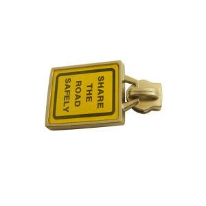 Factory Wholesale Custom Metal Zipper Puller, Zipper Head pictures & photos