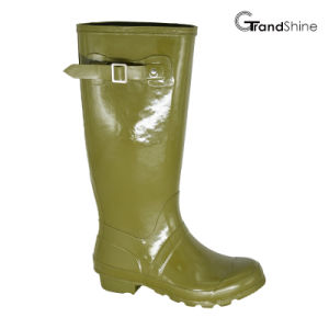 Wellie Gloss Rainboot with Decorative Strap pictures & photos