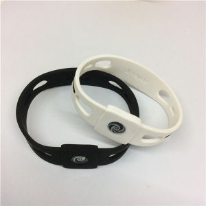 Promotion Gift OEM Sport Customized Silicon Wristbands pictures & photos