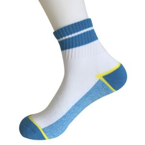 Half Cushion Poly Fashion Quarter Stripe Socks (JMPQ06) pictures & photos