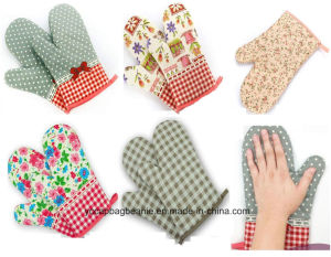 Hot Sale Baking Heat Resistant Microwave Oven Glove Mits pictures & photos
