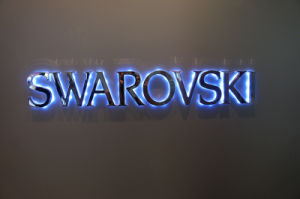 Backlit Halolit Reverse Mirror Polished Stainless Steel LED Channel Letters pictures & photos