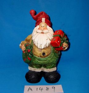 Santa Claus with Wreath and Gifts for Christmas Decoration pictures & photos