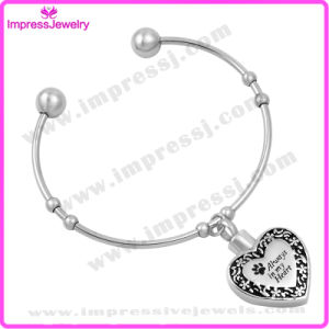 Heart Chams Bracelets & Bangles Women Bracelet Stainless Steel pictures & photos