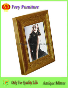 Fashionable Wooden Photo Frame with Antique Design