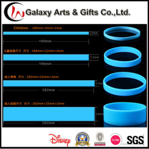 Multi-Color Promotional Debossed Perosnalzied Silicone Bangle and Bracelects pictures & photos