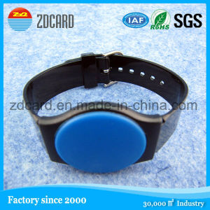 Bulk Wholesale Debossed Logo Printing Silicone Wristband, Rubber Band pictures & photos