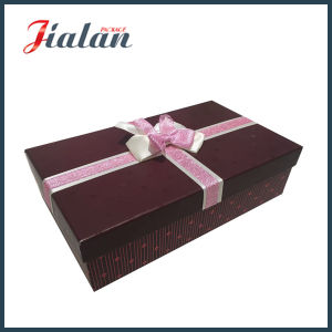 High Quality Wholesale UV Finish Gift Paper Box with Bows pictures & photos