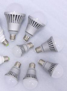 A60 3.5W 9W 13W 20W 30W 50W AC 110V or 220V LED Light Bulbs pictures & photos