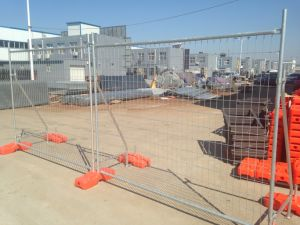 Cheapest Temporary Fencing Panels 2100mm X 2400mm Mesh 60mm X 150mm 3.00 Diameter pictures & photos
