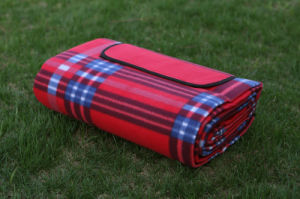 Picnic Blanket Water Resistant with Carry on Handle pictures & photos