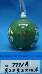 Christmas Decoration Round Ceramic Hanging Ball pictures & photos