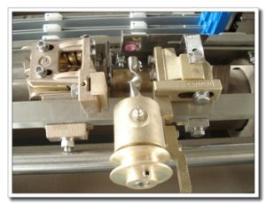 Electronic Let off&Take up Water-Jet Loom with Double Nozzle pictures & photos