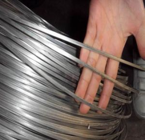 High Tensile Galvanized Oval Steel Wire 17/15 (2.4mm X 3.0mm) pictures & photos