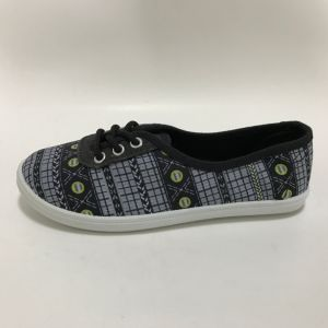 Latest Low Price Fashion Women′s Slip on Injection Canvas Shoes pictures & photos