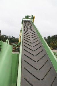 Conveyor Rubber Belt/Rubber Conveyor Belt/Rubber Belt of Denp pictures & photos