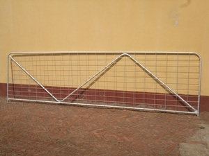 Hot-Dipped Galvanized with N Brace Temporary Farm Gate pictures & photos