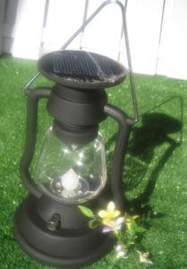 Low Price Solar Camping Kerosene Lantern Light with Long Life