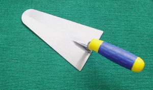 Bricklaying Trowel with Plastic Handle for Building pictures & photos