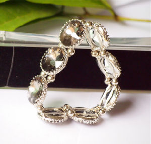 Fashion Lovely Bracelet with Crystal Stones