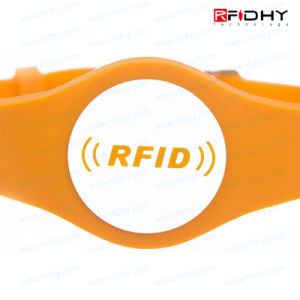 MIFARE S50 Environmental RFID NFC Silicone Wristband pictures & photos