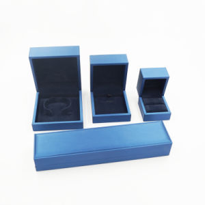 Customized Ring Necklace Bracelet Diamond Wooden Box (J111-E) pictures & photos