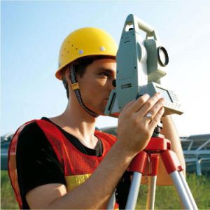 2mm High Accuracy Hi-Target Total Station with 6000m Measuring Range pictures & photos