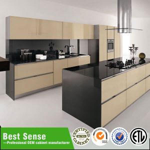 Environmental Wood High Gloss UV Kitchen Cabinet pictures & photos
