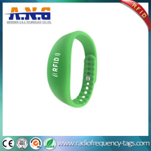 Custom Logo Silicone RFID Wristbands with ISO14443A pictures & photos