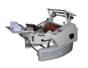 340mm Auto Paper Feeding and Auto Cutting Roll Laminating Machine (WD-360AF) pictures & photos