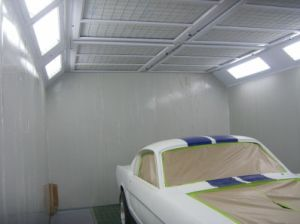 Custom Design Mini Spray Booth Small Paint Booth pictures & photos