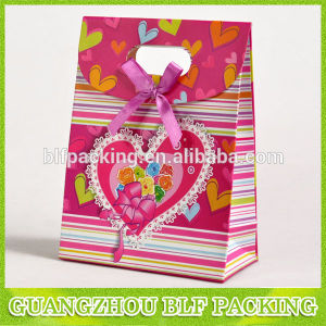 Small Size Handle Paper Bag pictures & photos