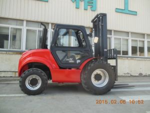 3.5ton 4WD Rough Terrain Forklift pictures & photos