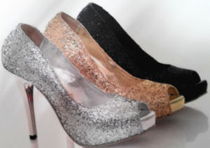 Glitter Powder Apply to Beautiful Shoes pictures & photos